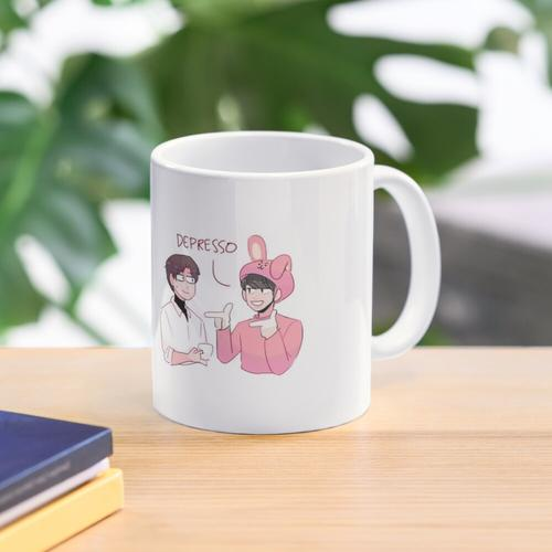 BTS: KAFFEE-DAD WITZT MIT JIN Tasse