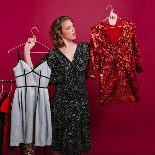 Relaxdays - 150 x Drahtbügel, für leichte Kleidung, platzsparende Draht Kleiderbügel, Steg für