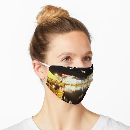 Limnos in der Nacht Maske