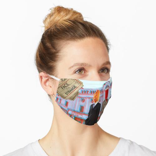 Fremde im Multiplex Maske