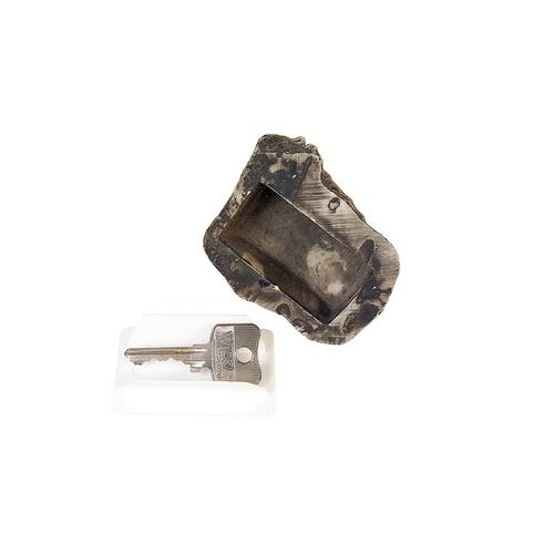 Schlüssel-Versteck in Steinoptik: 1
