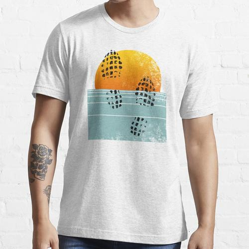 Sunset Run • Dreibeiniger Däne Essential T-Shirt