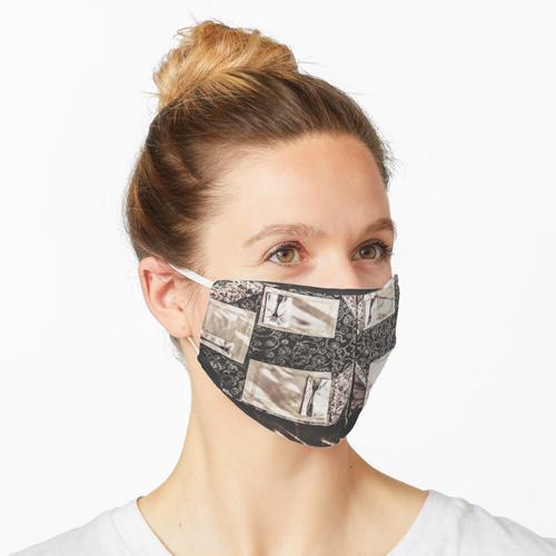 Esstisch mit Besteck Maske