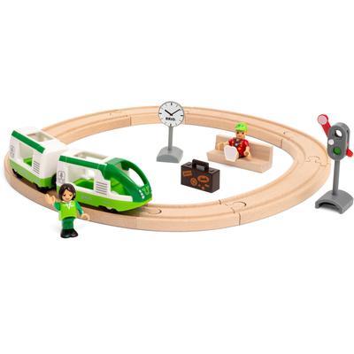BRIO Spielzeug-Eisenbahn Starter Set Reisezug, FSC - schützt Wald weltweit bunt Kinder Ab 3-5 Jahren Altersempfehlung