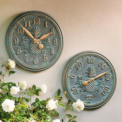 Classic Pineapple Clock - Verdig...