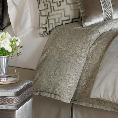 Ezra Tufted Comforter by Eastern...