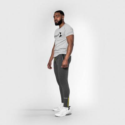 Body & Fit Sportkleidung Essenti...