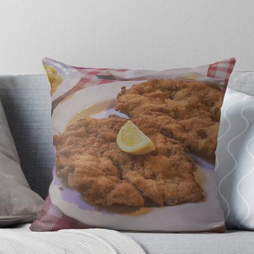Wiener Schnitzel Vom Schwein Throw Pillow